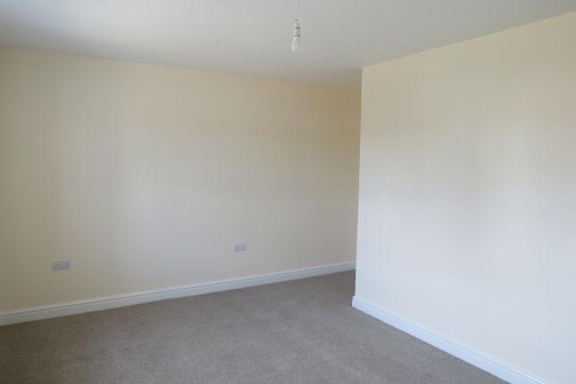 Bedroom 1 of Poppyfield Road, Wootton, Northampton NN4