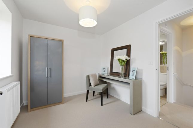 Mews house for sale in Speedwell Close, Guildford