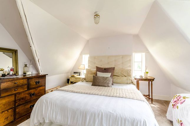 Thumbnail Maisonette for sale in Kingston Hill, Kingston Hill
