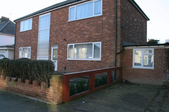 Thumbnail Maisonette to rent in Keith Road, Hayes