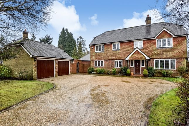 Thumbnail Detached house to rent in Pinewood Chase, St. Johns, Crowborough