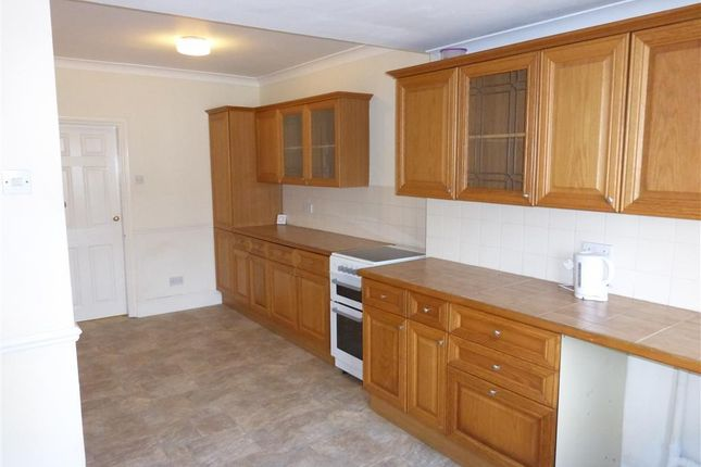 Thumbnail Terraced house to rent in Station Road, Halfway, Sheffield