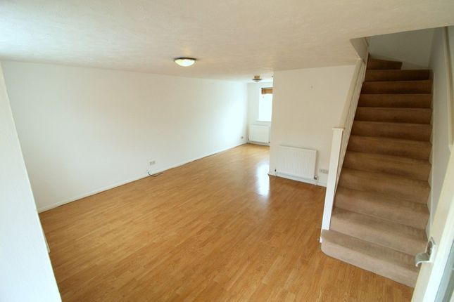Thumbnail Terraced house to rent in Harlinger Street, Woolwich