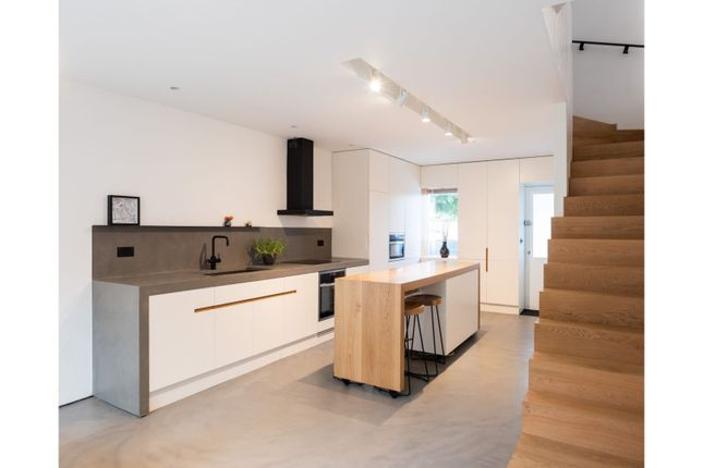 Thumbnail Terraced house to rent in Highbury Station Road, London