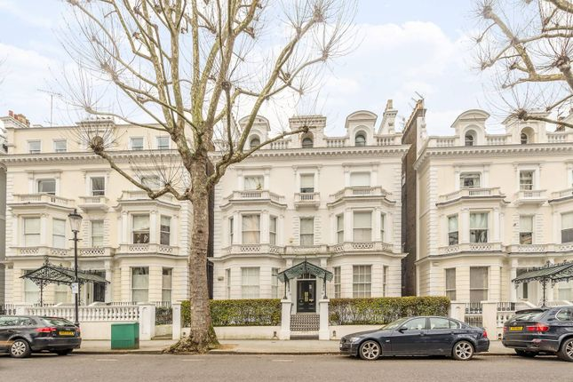 Thumbnail Flat for sale in Holland Park, Holland Park