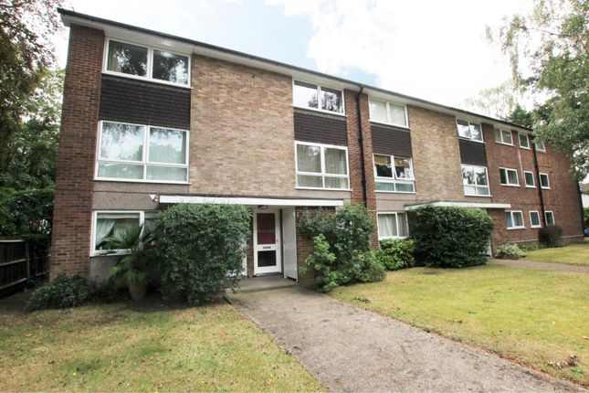 Thumbnail Flat to rent in Ashley Park Road, Walton On Thames, Surrey