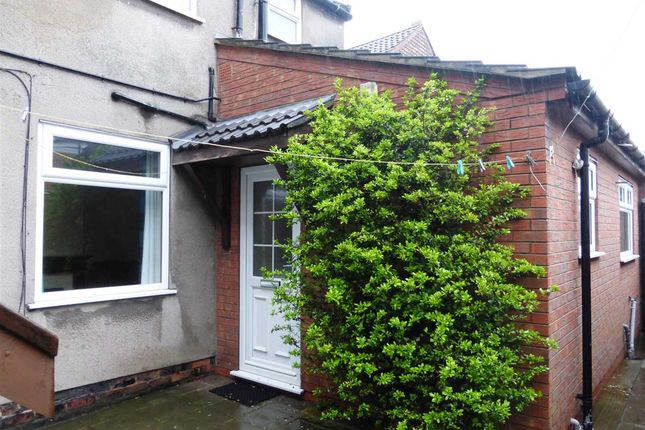 Thumbnail Flat to rent in Cottage Beck Road, Scunthorpe