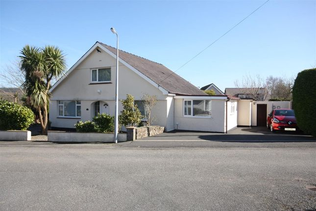 Thumbnail Bungalow for sale in Gwel Y Don Estate, Pentraeth
