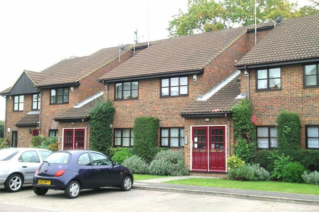 1 bed flat to rent in Troutbeck Close, Slough SL2