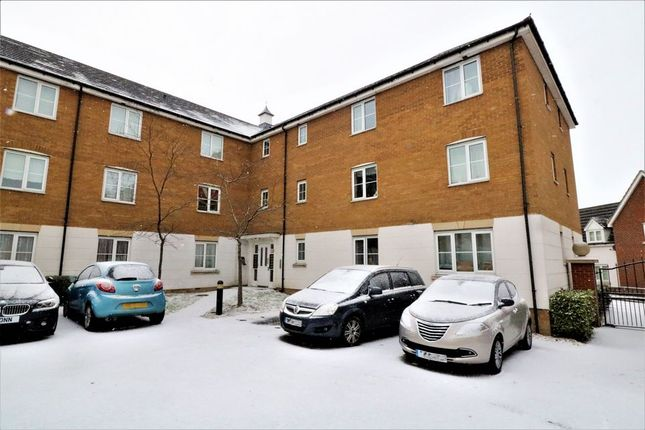 Thumbnail Flat to rent in Sachfield Drive, Chafford Hundred, Grays