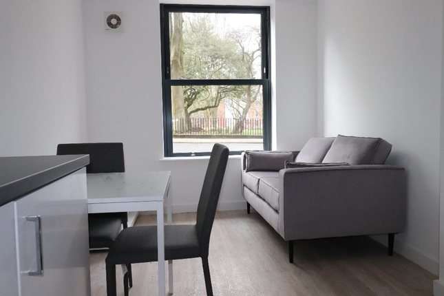 2 bed flat to rent in Cross Street, Preston PR1