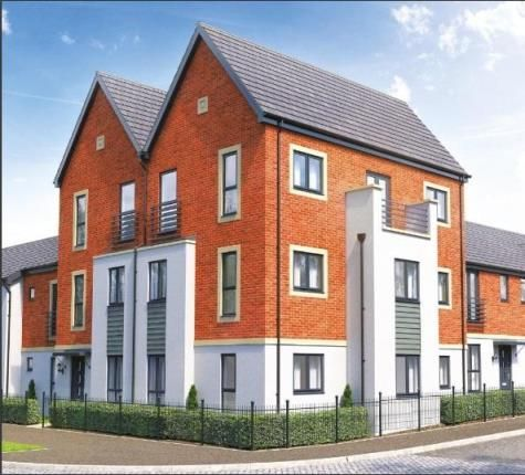 2 bed flat for sale in St Michael's Park, Weedon Road, Northampton NN5