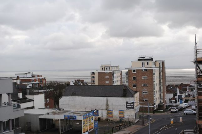 Thumbnail Property to rent in Broadway, Leigh-On-Sea