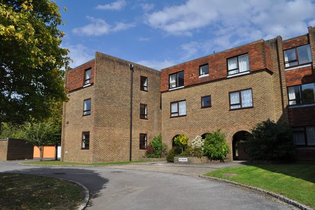 1 bed flat to rent in Mulberry Court, Gilliat Drive, Merrow, Guildford