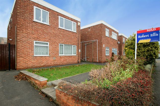 2 bed flat for sale in Rylands Court, Barton Street, Beeston