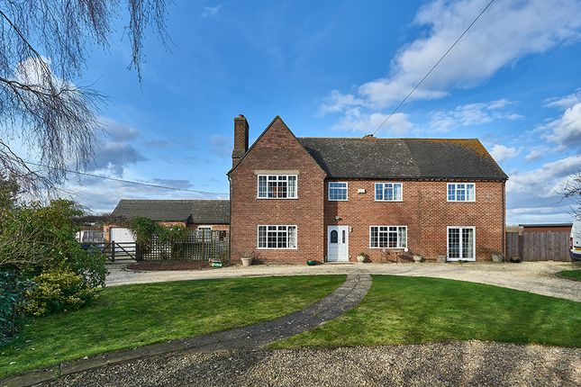 Thumbnail Farmhouse for sale in Ashton Keynes, Swindon