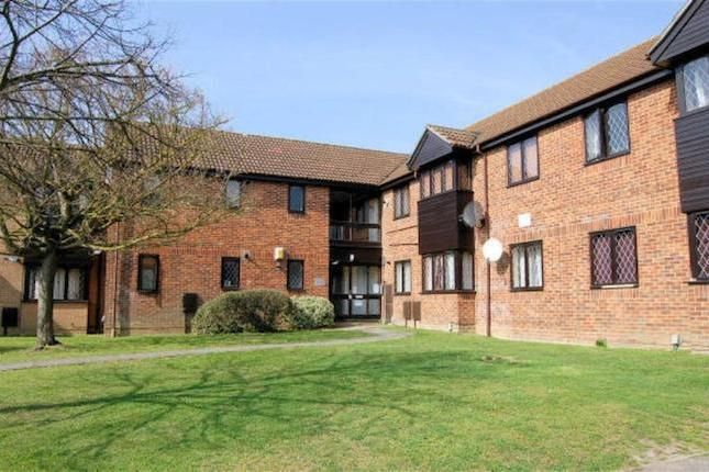 1 bed flat to rent in Ashmere Close, Calcot, Reading RG31