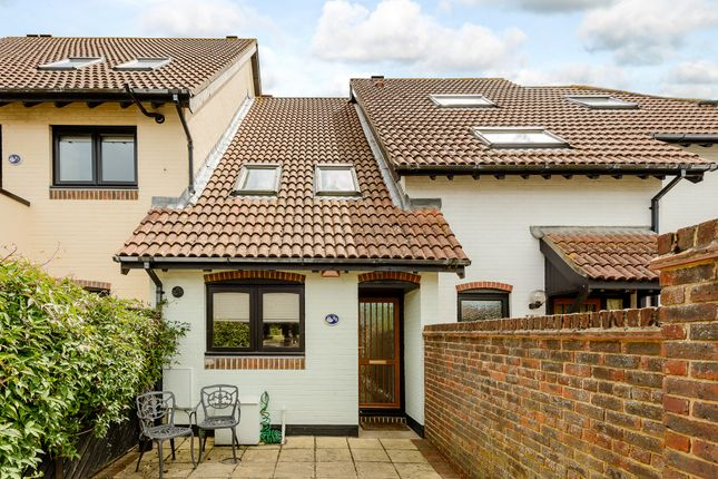 Thumbnail Terraced house for sale in Shamrock Way, Hythe, Southampton
