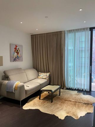 1 bed flat for sale in Chaucer Gardens, London E1