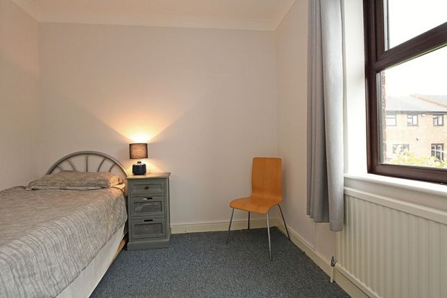 Bedroom 3 of Hatchlands, Great Holm, Milton Keynes MK8