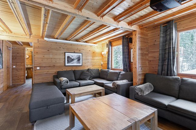 Chalet for sale in La Tania, Courchevel / Meribel, French Alps / Lakes