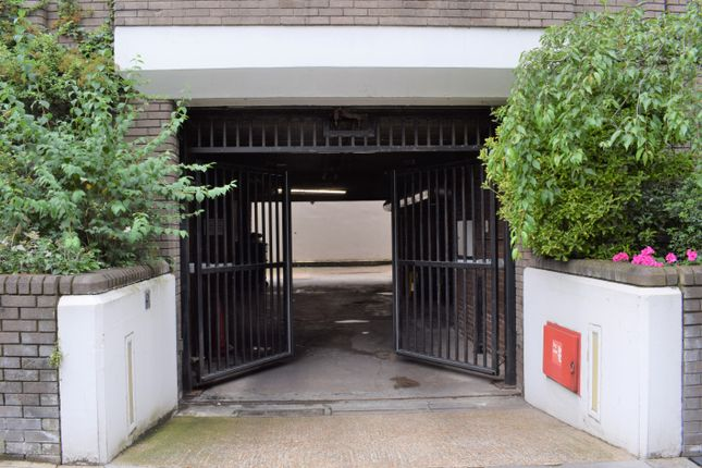 Thumbnail Parking/garage to rent in Queensborough Terrace, Bayswater