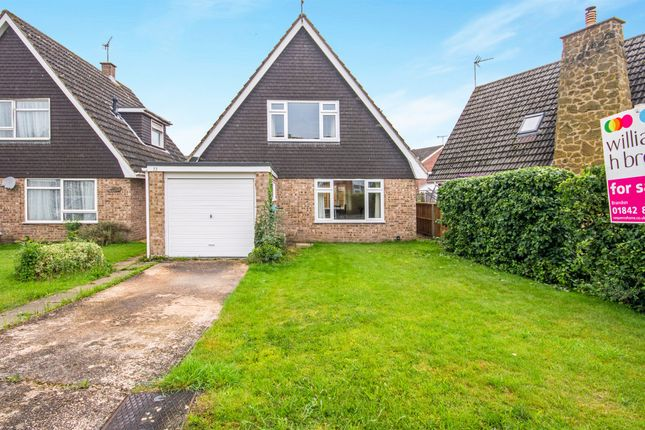 Thumbnail Property for sale in Malsters Close, Mundford, Thetford