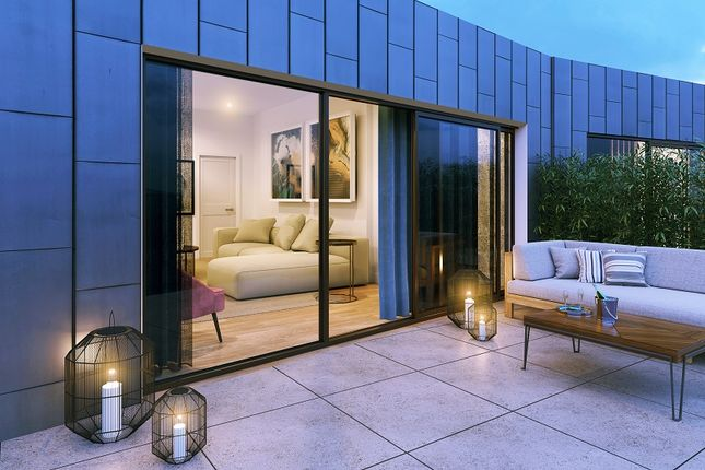 Thumbnail Flat for sale in Wharf Road, Islington, London