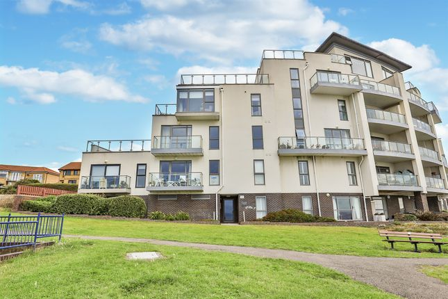 Thumbnail Flat for sale in Beachway, The Knap, Barry