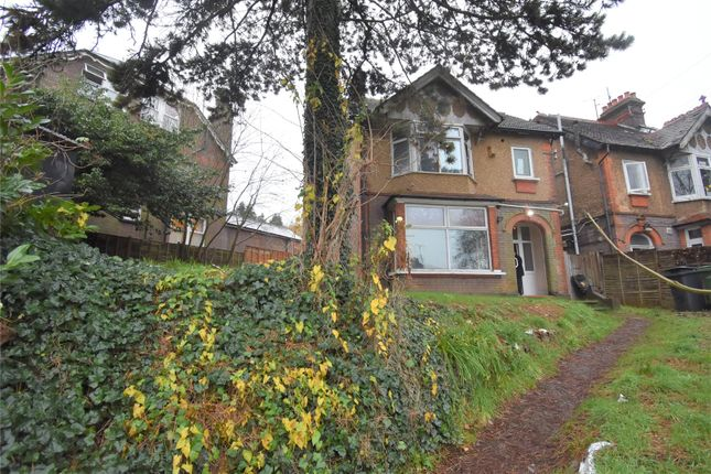 Thumbnail Detached house for sale in London Road, Luton, Bedfordshire
