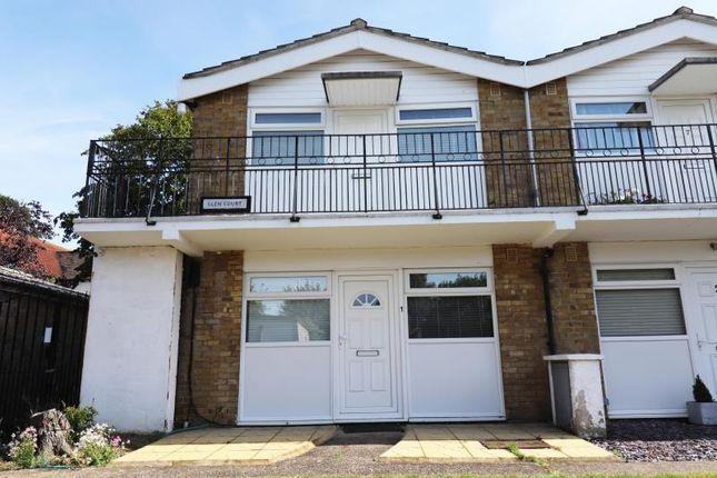 1 bed flat to rent in Glen Court, Addlestone KT15