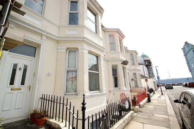 Flat to rent in Northumberland Terrace, West Hoe, Plymouth, Devon
