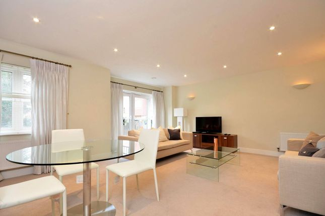 Thumbnail Flat to rent in Uplands Road, Guildford