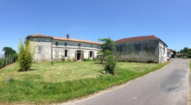 Detached house for sale in Montguyon, Jonzac, Charente-Maritime, Poitou-Charentes, France
