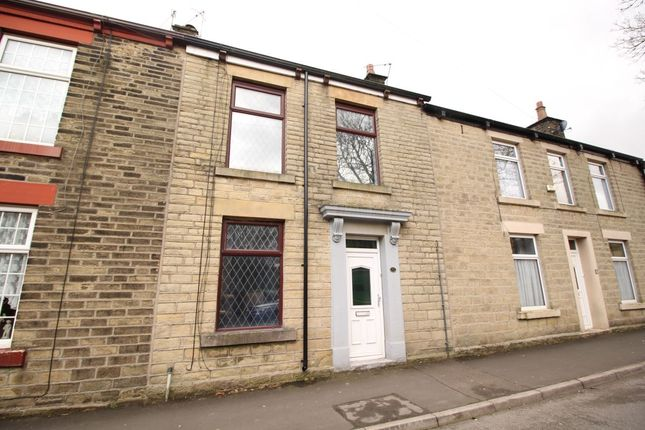 Thumbnail Terraced house to rent in Hollincross Lane, Glossop