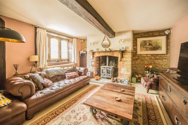 Thumbnail Semi-detached house for sale in Curzon Street, Calne