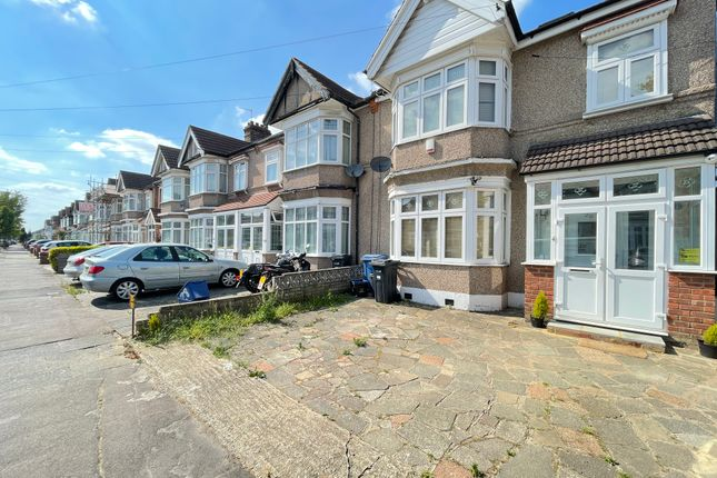 Thumbnail Terraced house to rent in Castleview Gardens, Ilford