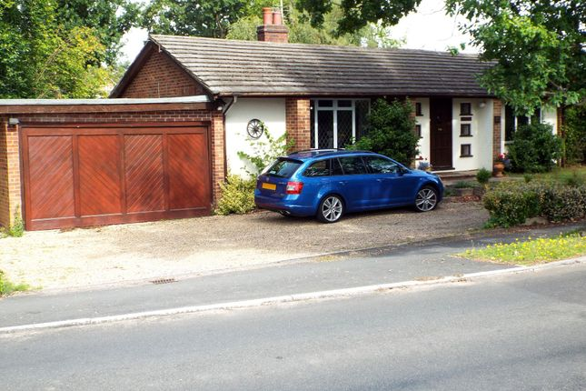 3 bed detached bungalow for sale in Velmead Road, Fleet