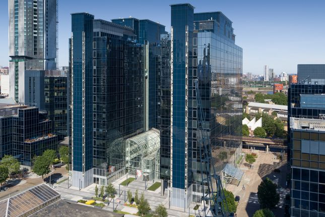 Thumbnail Office to let in Hx 1 & 2, Exchange Tower, Harbour Exchange Square, London