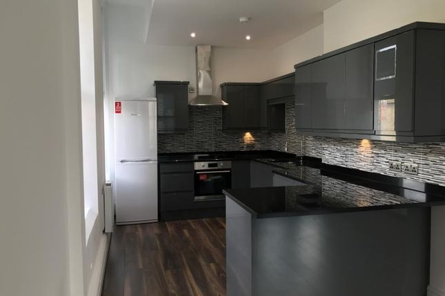 Flat for sale in East Parade, Leeds