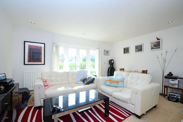Thumbnail Flat to rent in Holders Hill Road, Mill Hill East, London