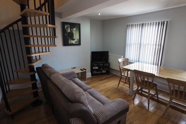 Thumbnail Flat to rent in Quaker House, 39 Baker Street, Hull