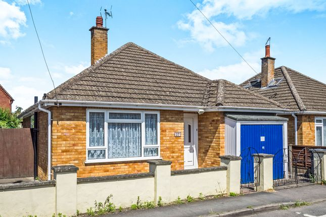 Thumbnail Detached bungalow for sale in Cherry Orchard, Wellesbourne, Warwick