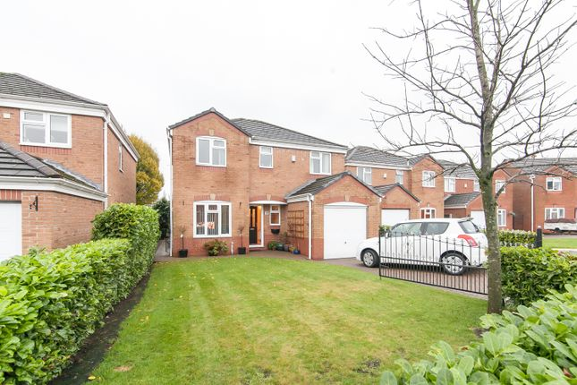 Thumbnail Detached house for sale in Albion Gardens Close, Royton, Oldham