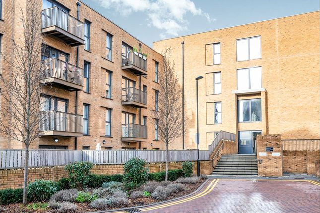 Thumbnail Flat for sale in 45 Connersville Way, Croydon