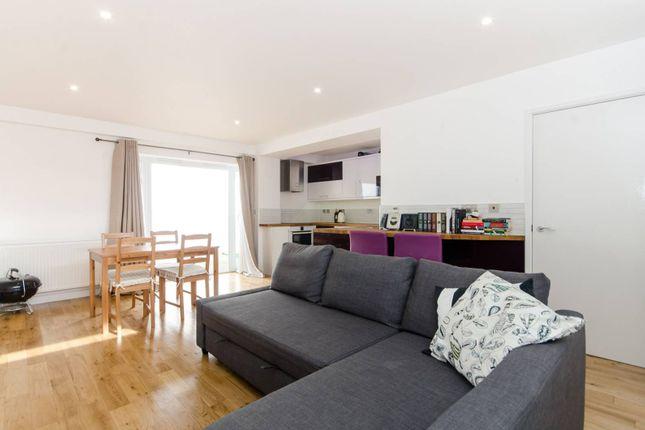 Thumbnail Bungalow to rent in Haydons Road, Wimbledon