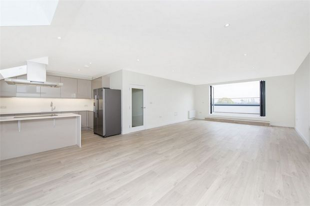 Thumbnail Flat for sale in Grove House, Isleworth, Middlesex