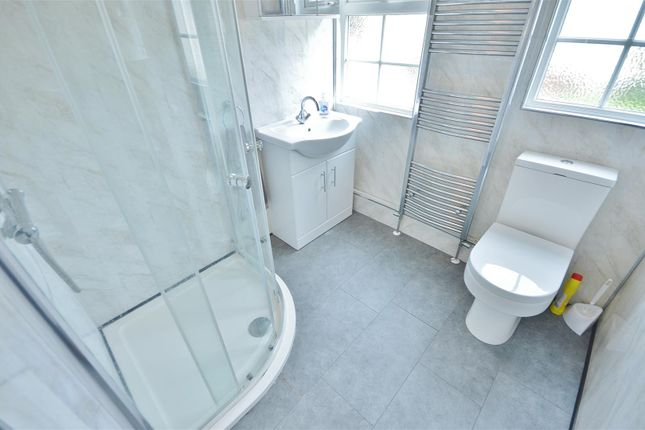 Shower Room of Meadow View Park, St. Osyth Road, Little Clacton, Clacton-On-Sea CO16