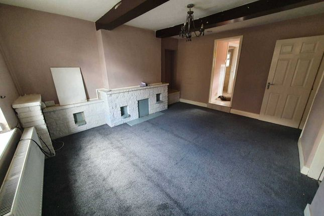 2 bed flat to rent in Doncaster Road, Ferrybridge WF11