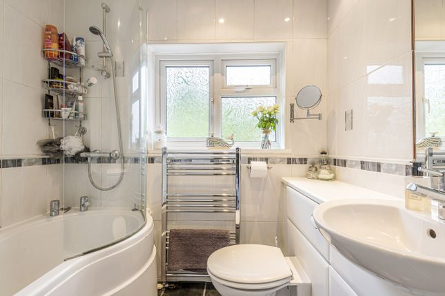Bathroom of Williamson Close, Grayswood, Haslemere GU27